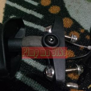 Proteksi tambahan di spion sein LED - Lem PC Metal, baut L+Monel