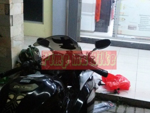 Spion sein LED oval small chrome universal_installed tampak samping kanan belakang di CBR250R