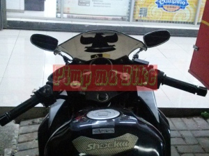 Spion sein LED oval small chrome universal_installed tampak tengah belakang di CBR250R