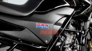 Emblem HRC di Honda CB 150 R_zoom