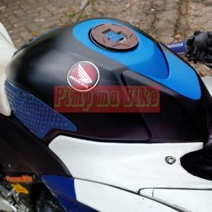 Emblem Honda Wing Premium Flagship_installed zoom
