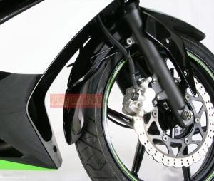 Front Fender extender / Sambungan spakbor depan / mudflap Ninja 250 dan Z250_contoh terpasang di Ninja 250 karbu