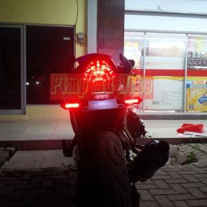 Lampu sein belakang LED tancap universal integrated_DRL ON