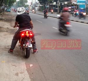Sein tancap LED 3in1 terpasang menyala tampak jauh. Credit: @bro Febri di Jakarta