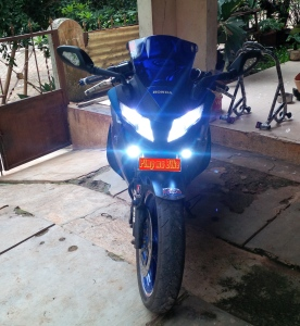 CBR250R CBU installed: Kedok dual lamp Hokage, Lampu LED H4 lens superbright, Foglamp Projie LED universal