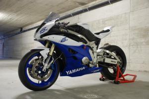 Custom Yamaha R6 by Paolo Tesio