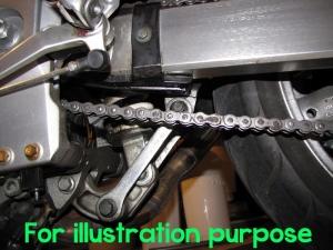Ilustrasi pemasangan lowering link kit pada moge
