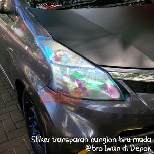 Stiker transparan bunglon biru dan contoh terpasangnya di Avanza @bro Iwan di Depok. Cool!