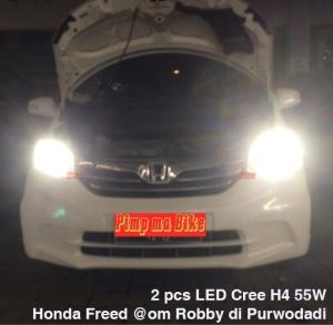Tampak dari depan pemasangan lampu LED H4 55W P6 di mobil Honda Freed @om Robby. Sinar tampak padat dan terang+mewah, tapi tidak menyilaukan lawan arah.