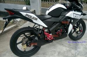 Modifikasi Acc Bikers CBR 150R Fi CBU_engine cover, sprocket cover, footstep underbon, as roda blkg_all red zoom out tampak kanan @Anwar Samsi